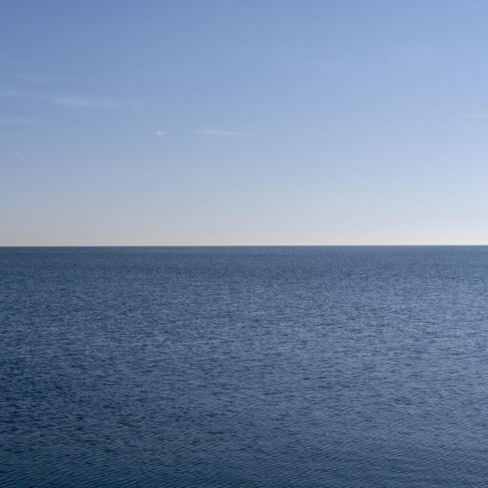 sharp horizon Contemporary art photograph of Lake Michigan from Chicago by artist Lincoln Schatz @lincolnschatz.com